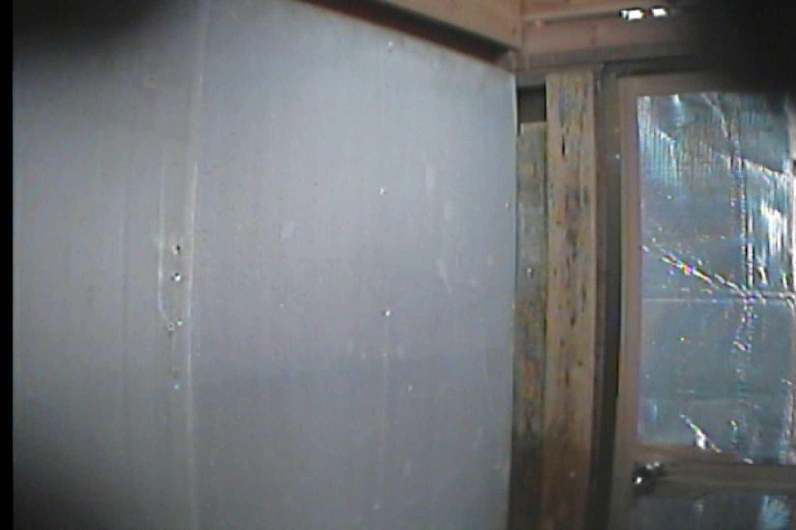 海の家の更衣室 Vol.18 エロい美女 おめこ無修正画像 99枚