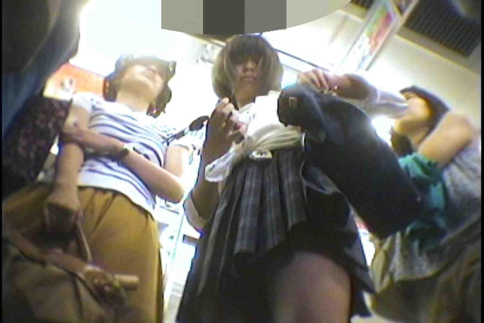 会員No.7番 KAIさんのパンチラ現役女子の会 パンチラ 戯れ無修正画像 75枚