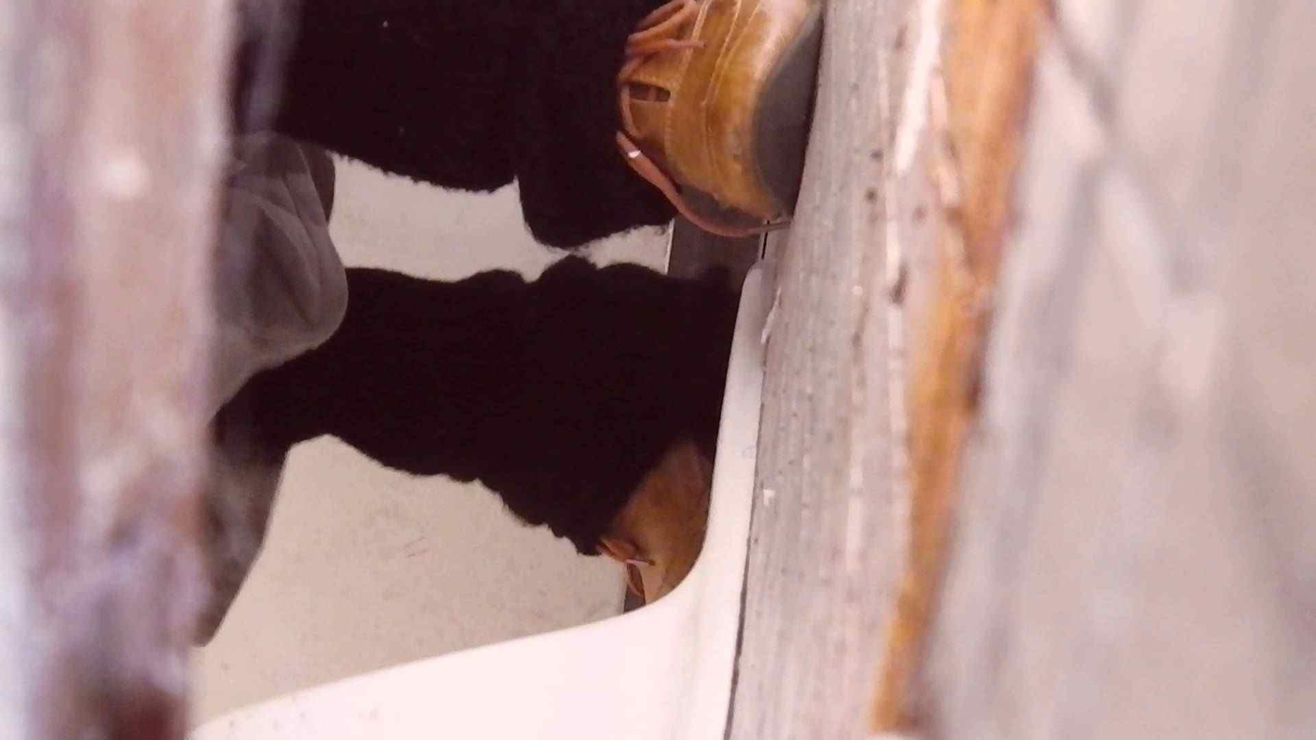高画質至近映像和式の隙間 Vol.01 エロいOL エロ画像 103枚