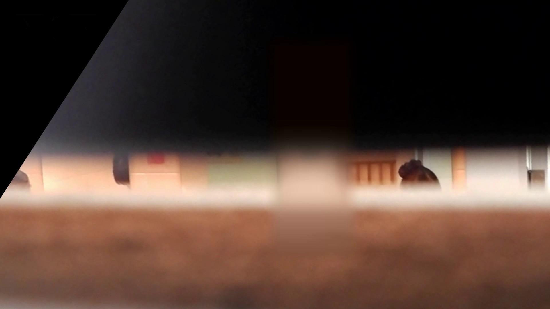第三体育館潜入撮File028 熟女特集!! 期間限定 オメコ無修正動画無料 65枚