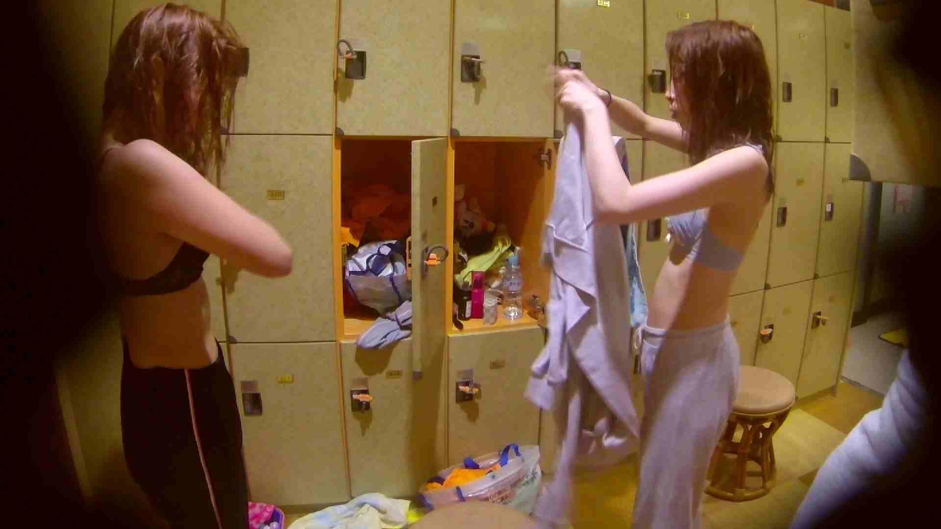 追い撮り!脱衣~洗い場、そして着替え、髪を乾かすまで完全追跡。 銭湯覗き 女性器鑑賞 108枚