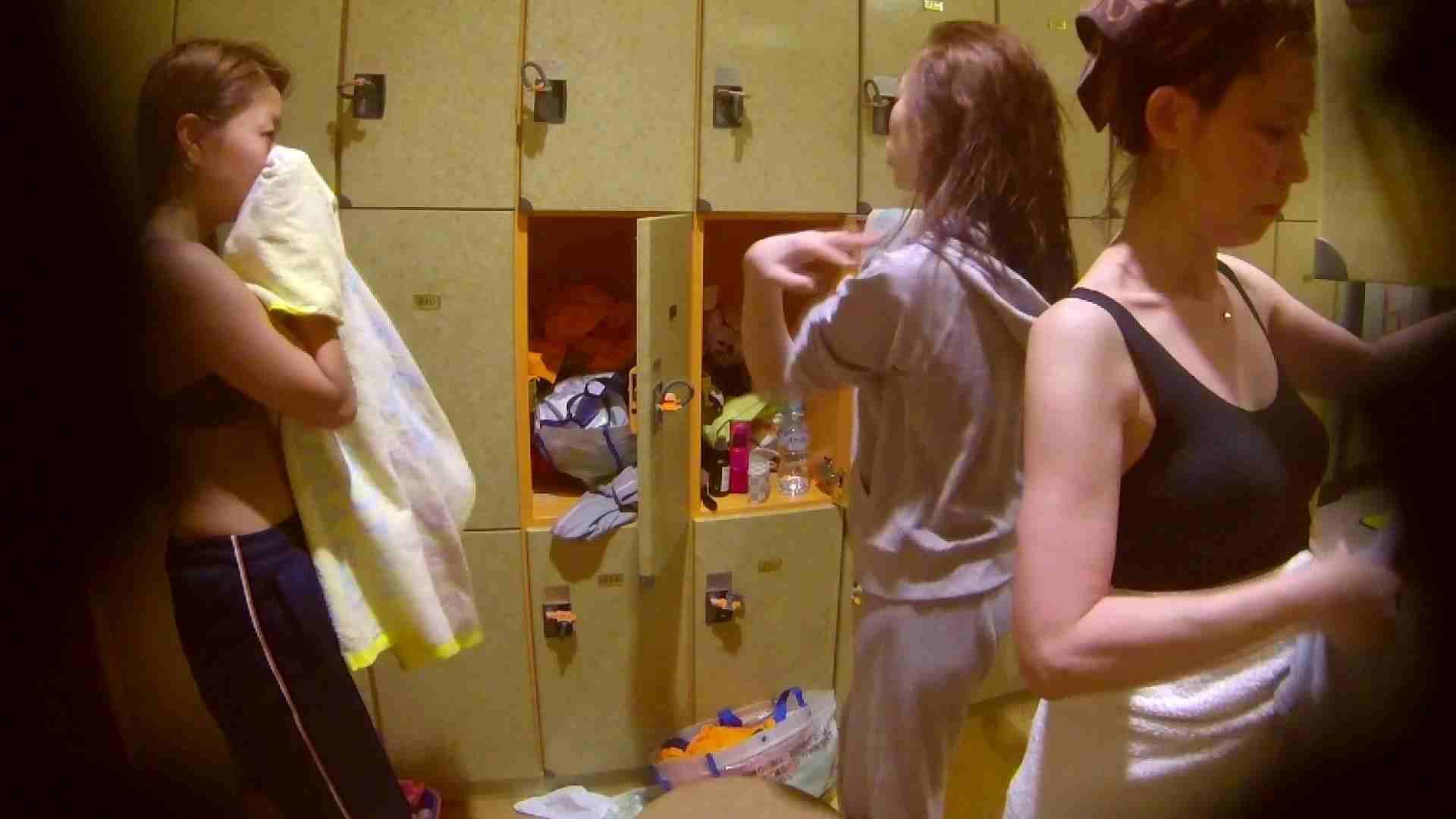 追い撮り!脱衣~洗い場、そして着替え、髪を乾かすまで完全追跡。 0 | 0  108枚