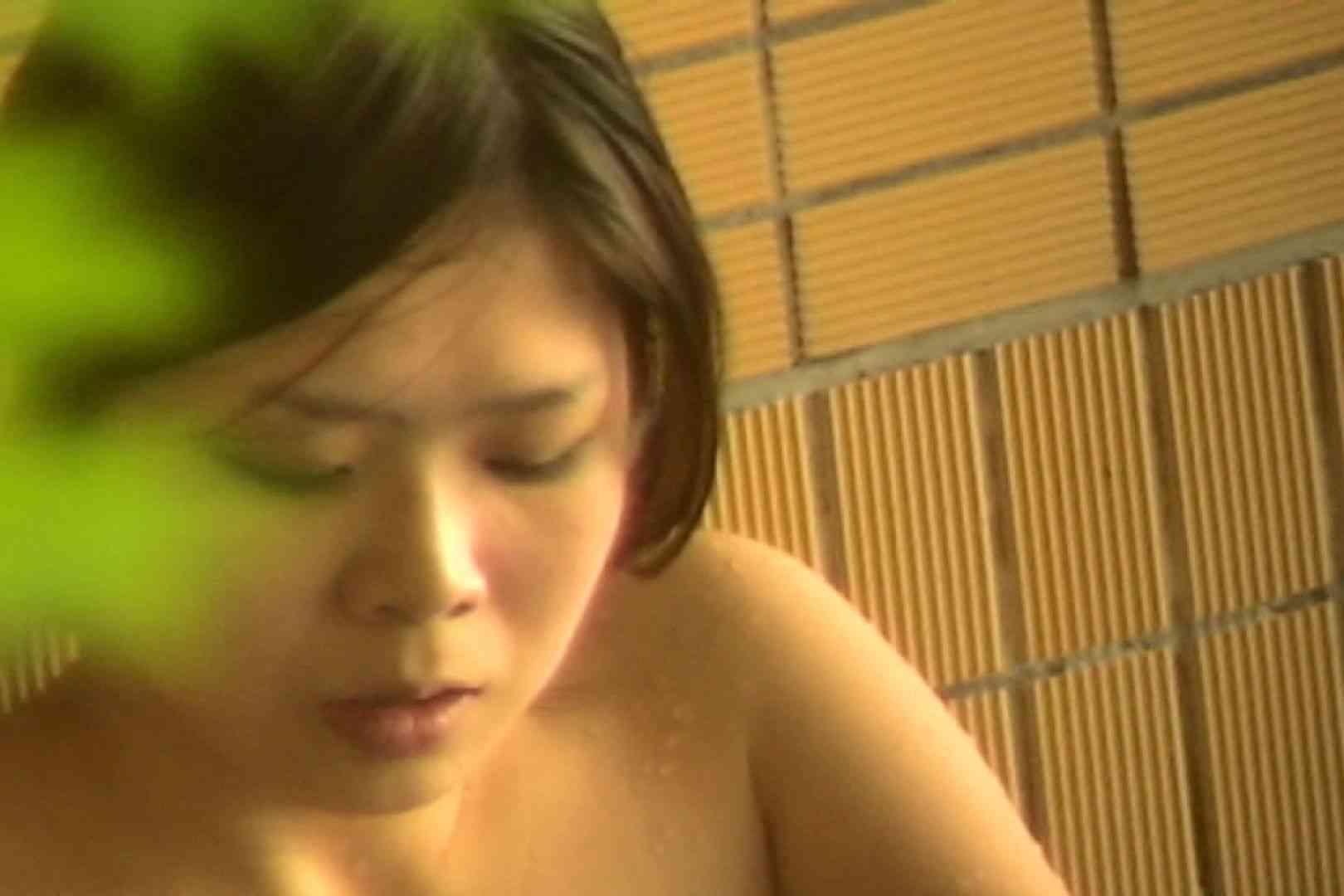 No.14 しかめっ面で巨乳をモミモミ エロい美女 盗み撮り動画 24枚
