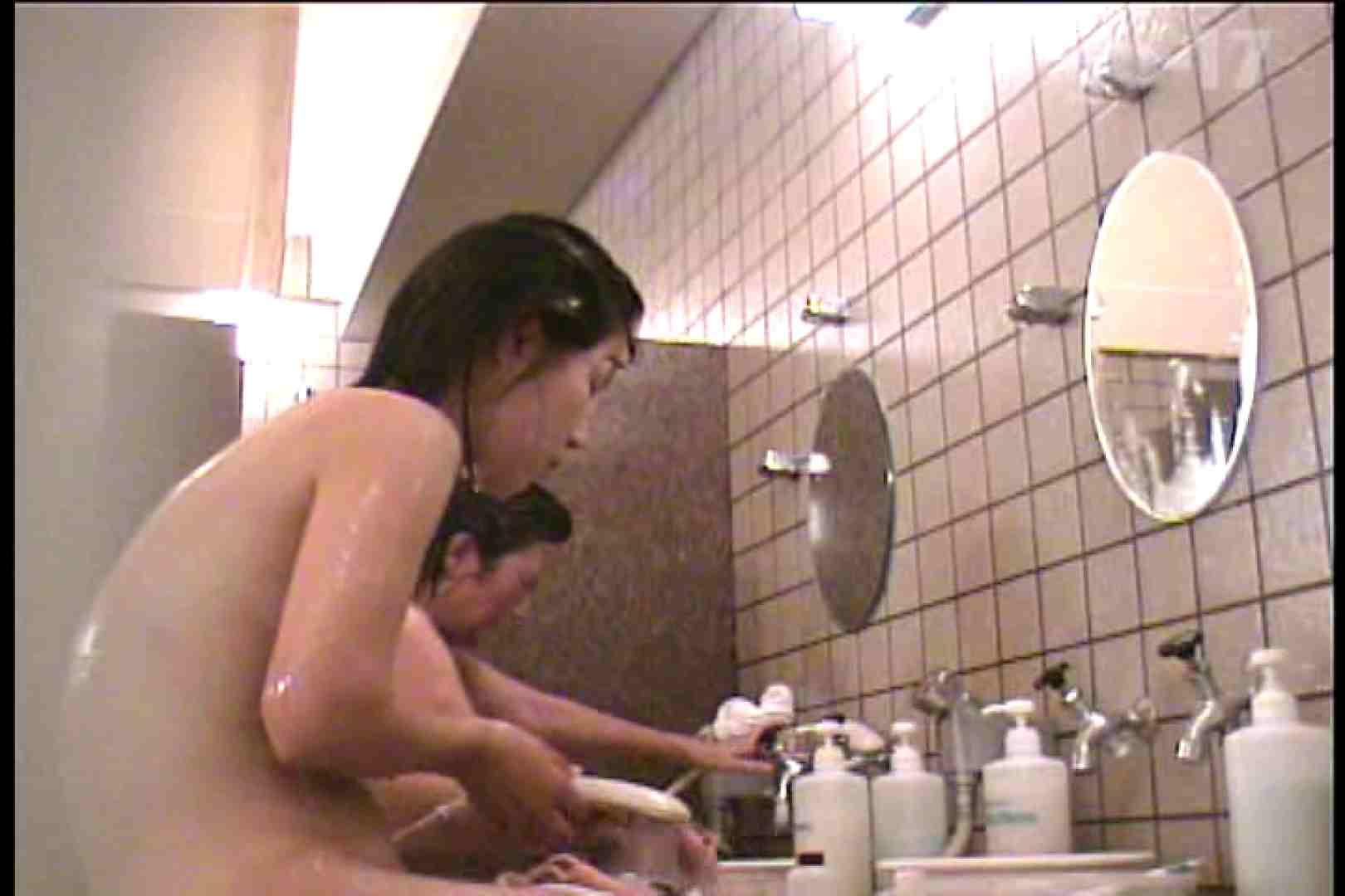 電波カメラ設置浴場からの防HAN映像 Vol.17 エロいOL   0  32枚