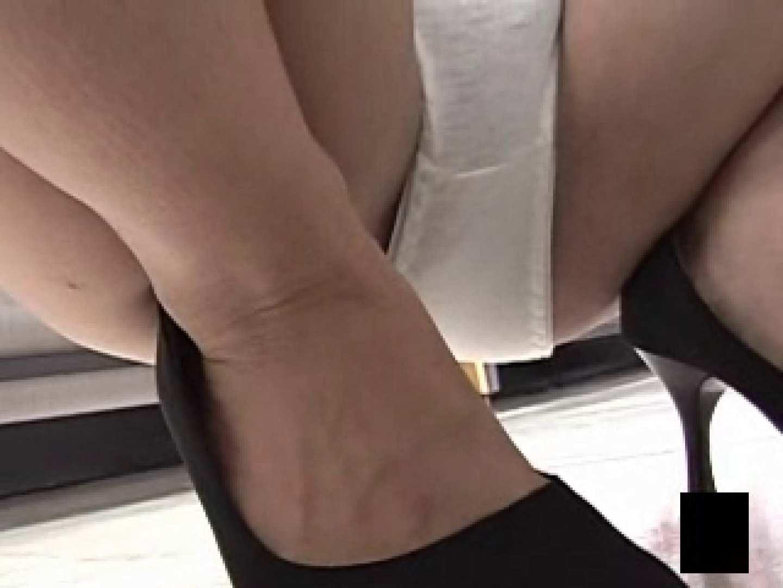 股間に接近しゃがみパンツ スケベな女子達 SEX無修正画像 38枚