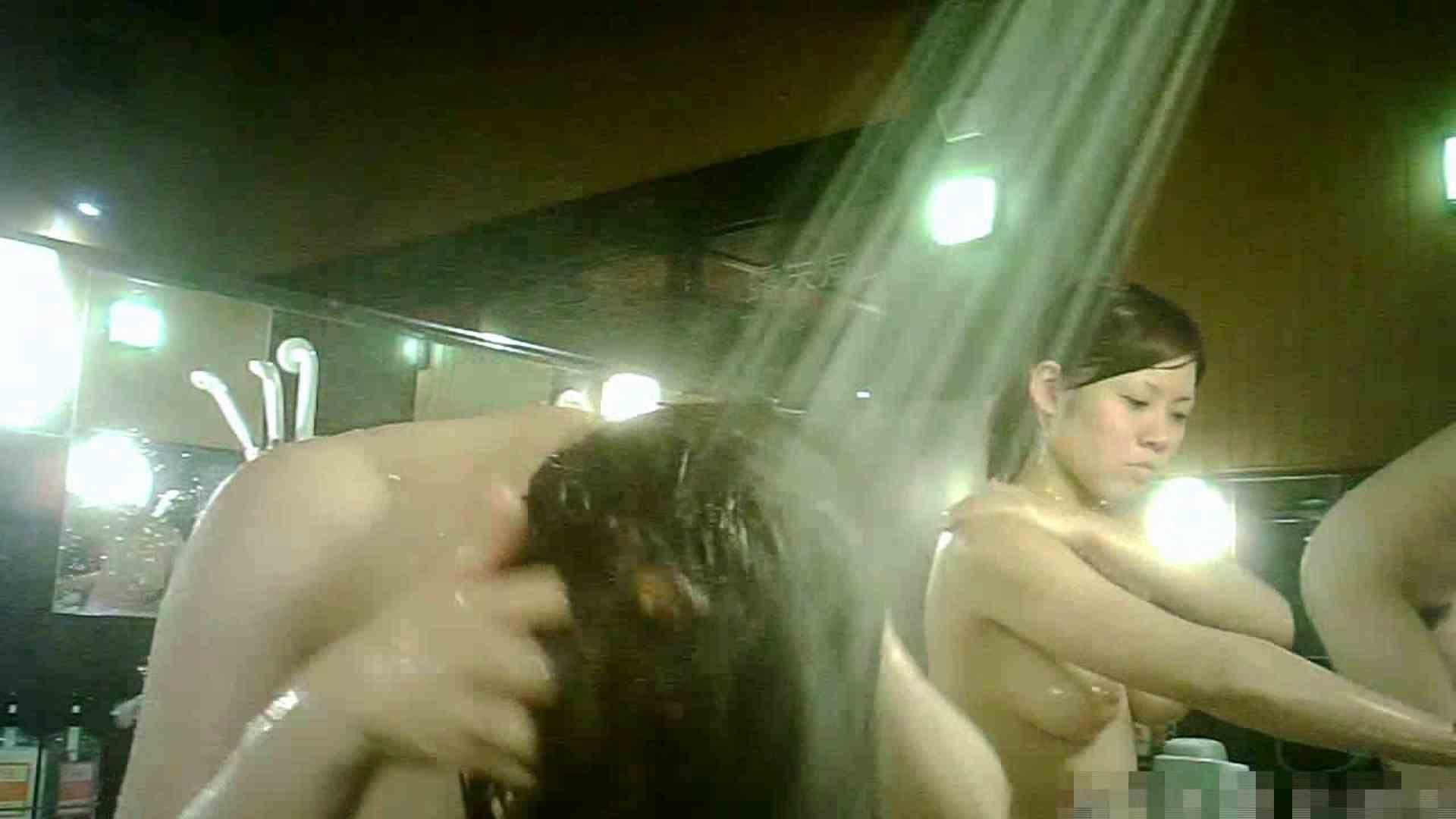 手を染めてしまった女性盗撮師の女風呂潜入記 vol.004 脱衣所 盗撮動画紹介 92枚