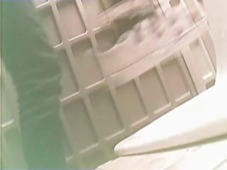 野外の洗面所は危険ですVol.4 エロいOL エロ無料画像 71枚